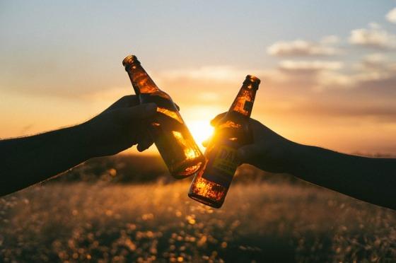 cheers-839865_640.jpg